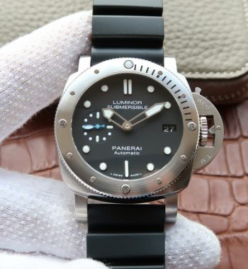 XF Luminor Submersible PAM682 Rubber Strap P.9010