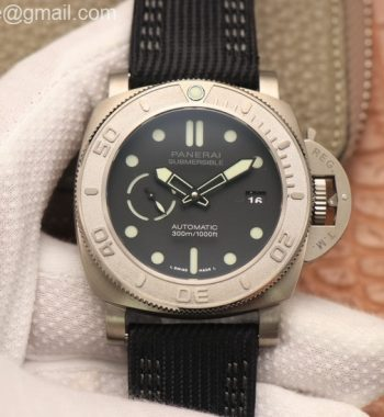 PAM984 Mike Horn Submersible VSF Edition Black Dial Black Nylon Strap P.9010