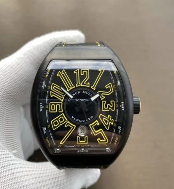 Size:54mm x 44mm x 13.5mm Movement:Japanese Miyota 9015 Automatic at 28800vph Functions:Hours, minutes, seconds and date display Case:DLC plated solid 316L stainless steel case Crystal:Scratch-proof sapphire crystal Dial:Black textured dial Strap:Black rubber strap Clasp:Deployant clasp